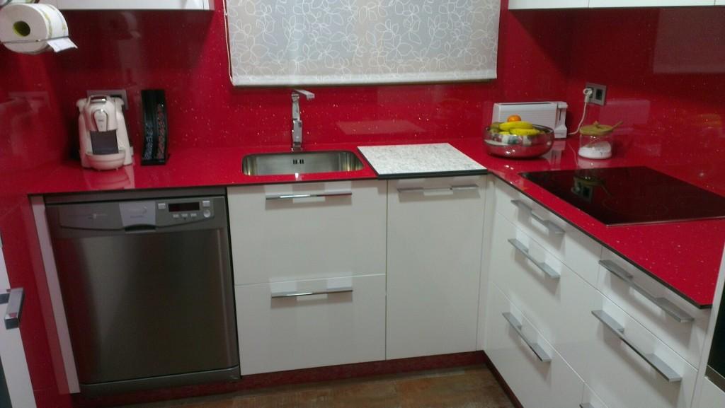Disseny i fabricació a mida de mobles de cuines a Fusteria Eben Andorra. Cuines de qualitat pensades per a una millor ergonomia i funcionalitat.
